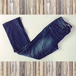 DKNY Size 4 ludlow blue jeans dark wash straight